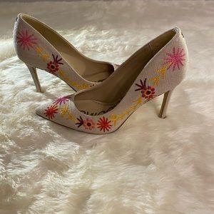 Sam Edelman Embroidered Heels Size 6.5